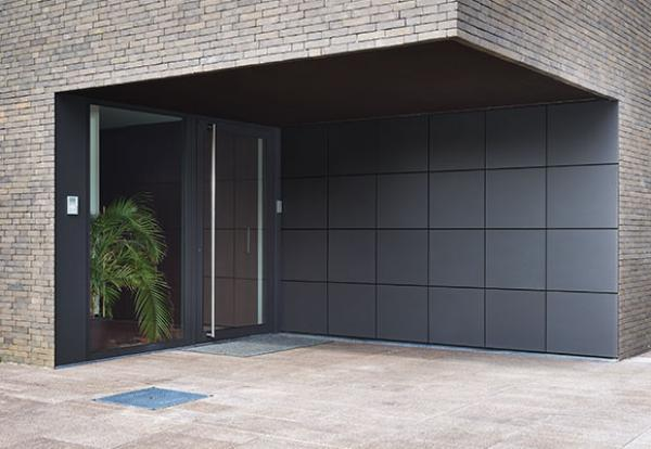 Garagedeuren in aluminium, kunststof en hout